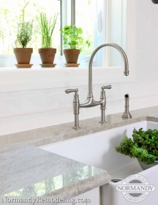 Bridge Faucets for Kitchen