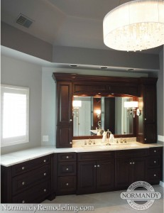 double bowl sinks in master bathroom
