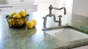 Difference Between Natural Stone & Engineered Stone Countertops