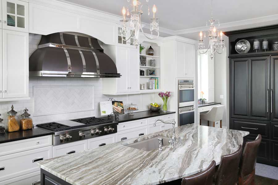 Glamorous black and white kitchen