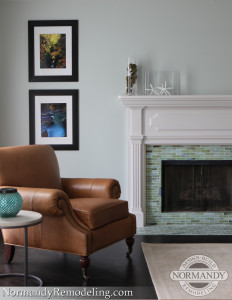 Fireplace mantel with crown detailing