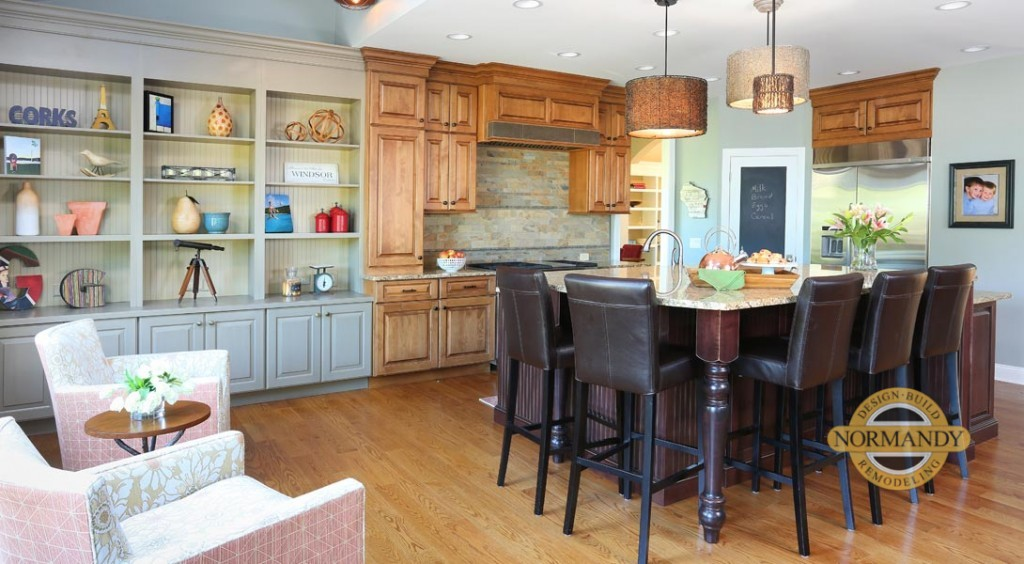 open kitchen layout with an adjoining sitting area