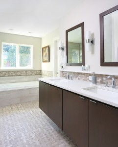 Top 4 Reasons To Have Heated Flooring In The Bathroom