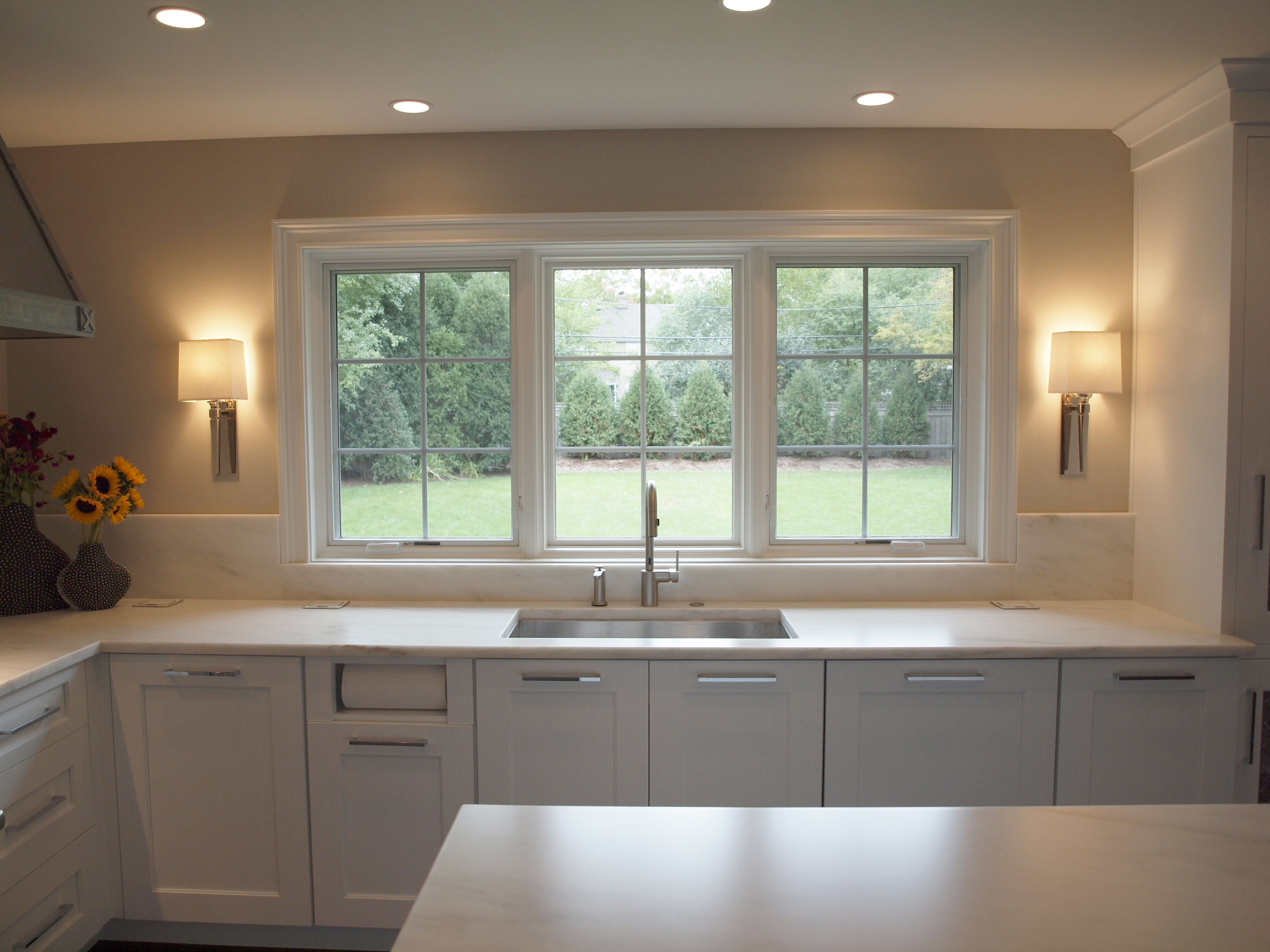 kitchen sink with large windows : Normandy Remodeling