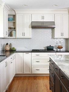 Transitional style kitchen with overlay cabinet fronts