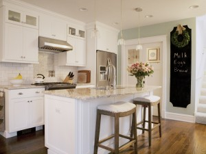 Small North Shore Kitchen Makes the Most of the Space