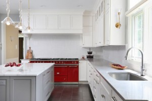 Practical, Transitional Kitchen Renovation