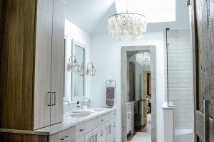 A Master Bathroom Worthy of a Toast